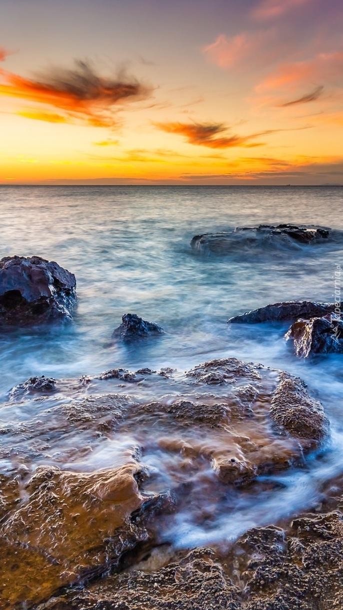 Przy brzegu morza