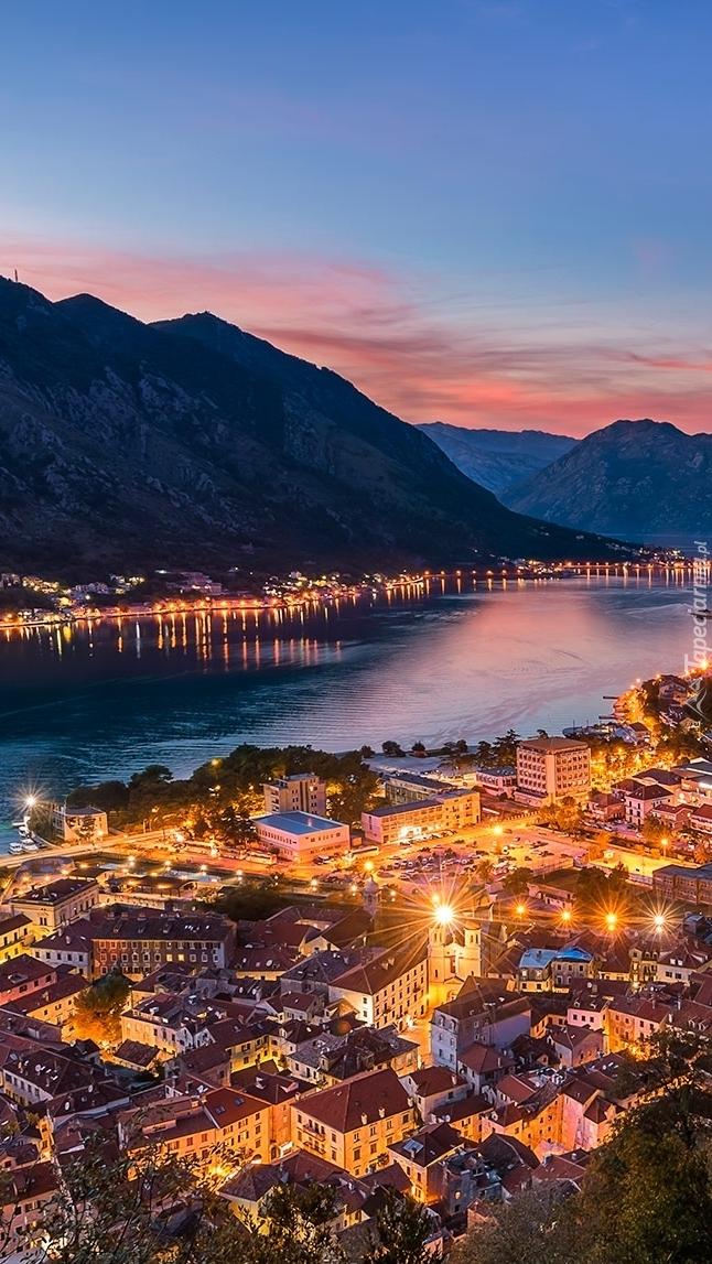 Przystań Porto Montenegro w miasteczku Tivat