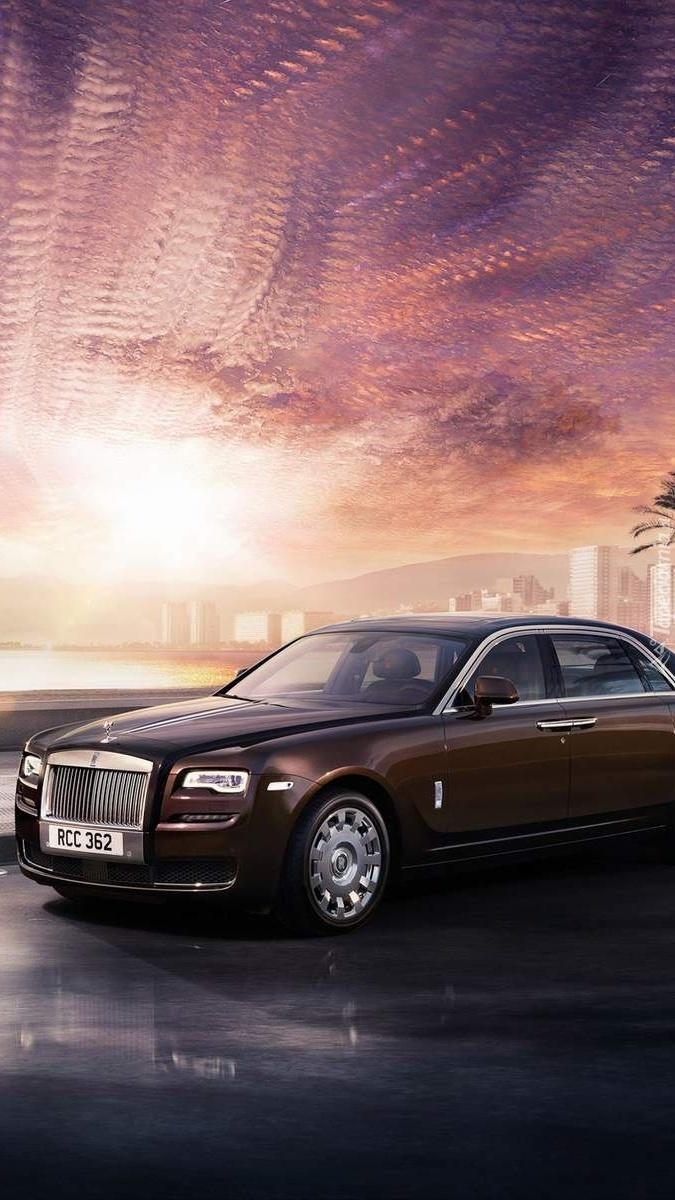 Rolls-Royce gotowy do drogi