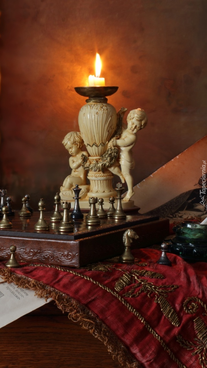 Rozgrywki szachowe przy świecy
