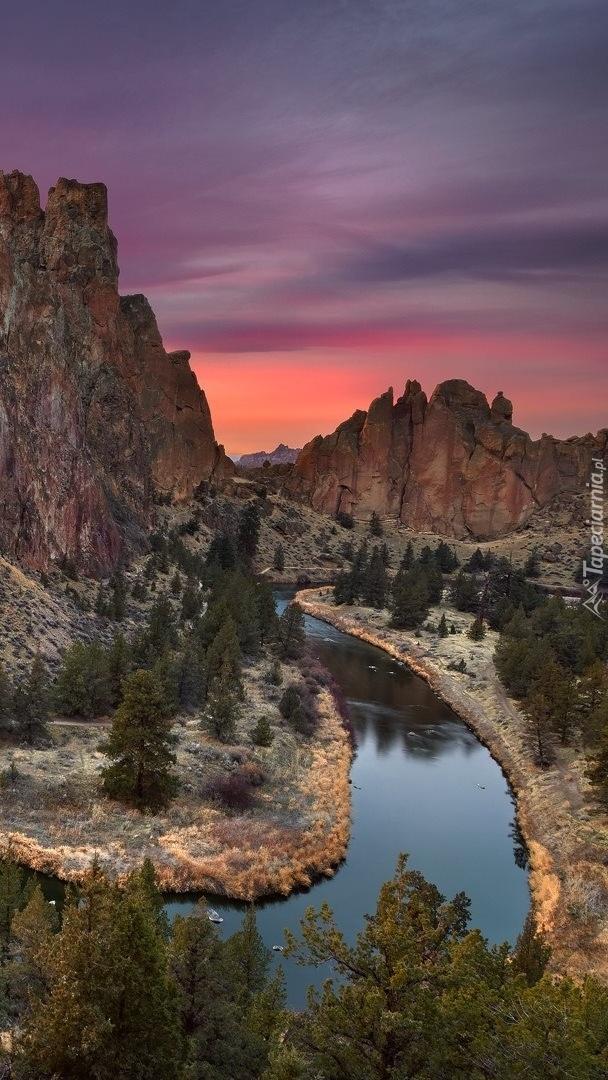 Rzeka Crooked River w Parku Stanowym Smith Rock