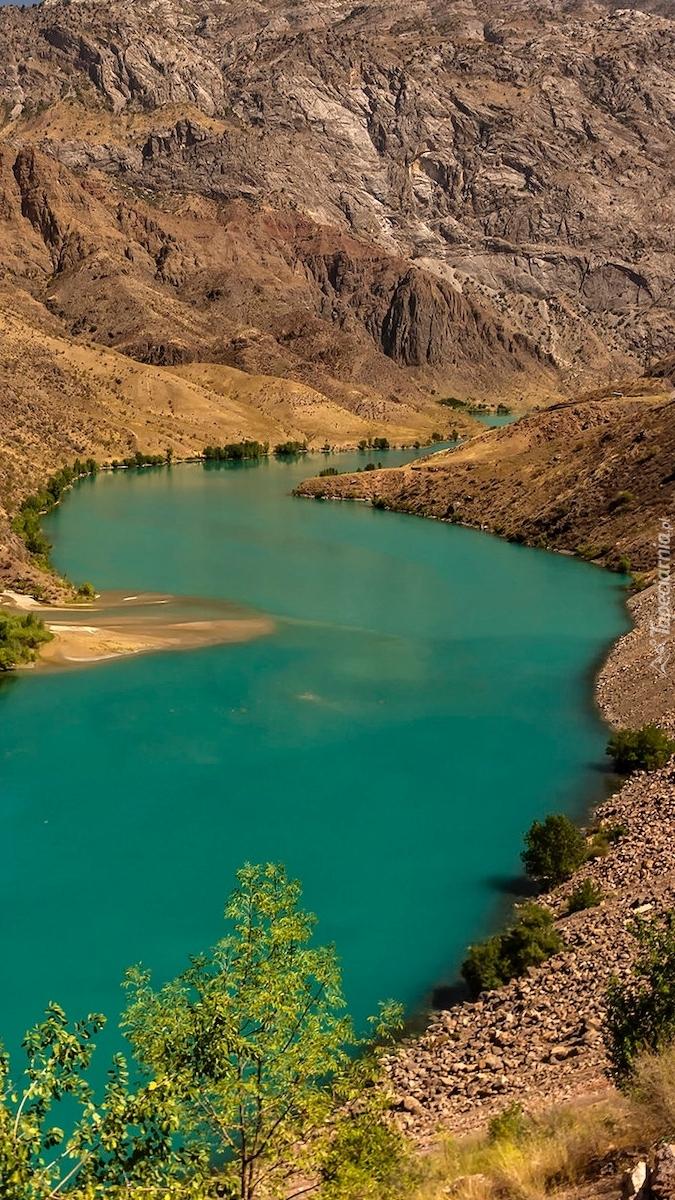 Rzeka Naryn w górach Kirgistanu