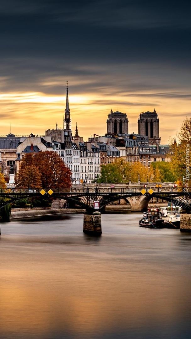 Rzeka Sekwana w Paryżu