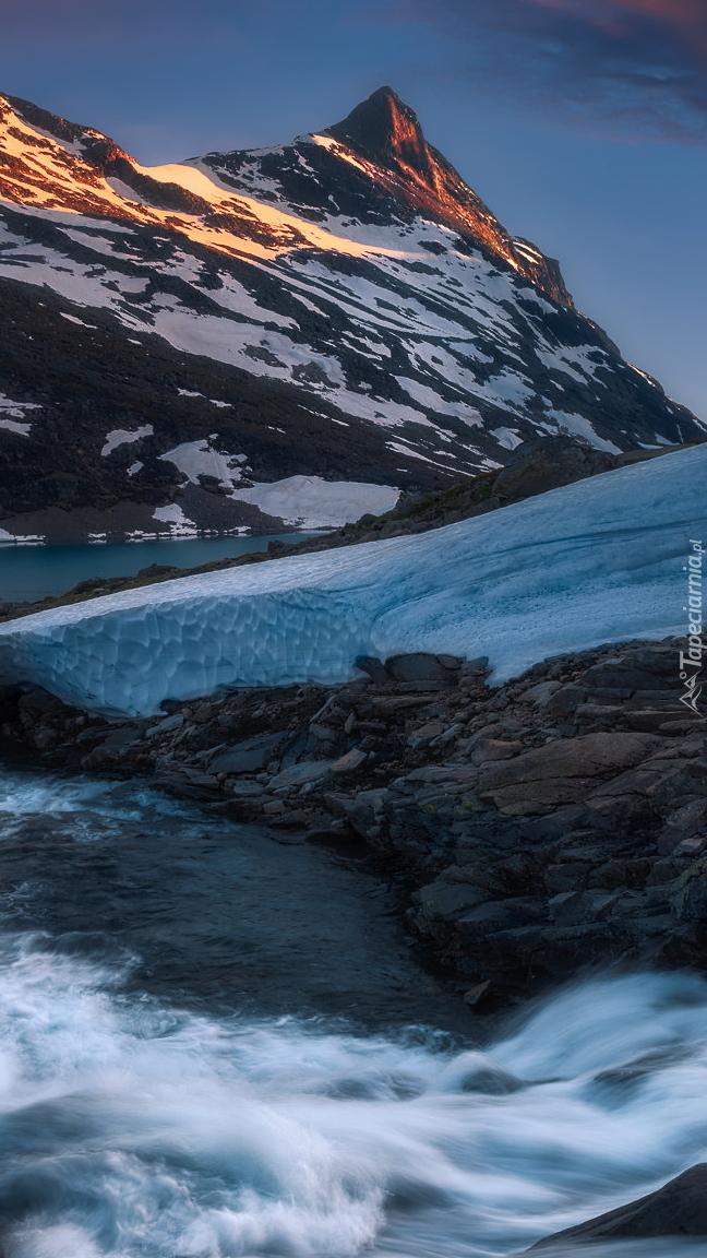 Rzeka w górach Jotunheimen
