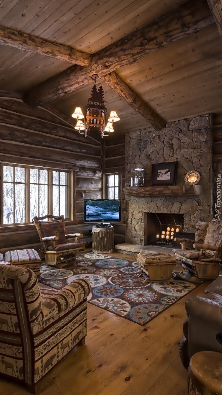 Salon z kominkiem i telewizorem
