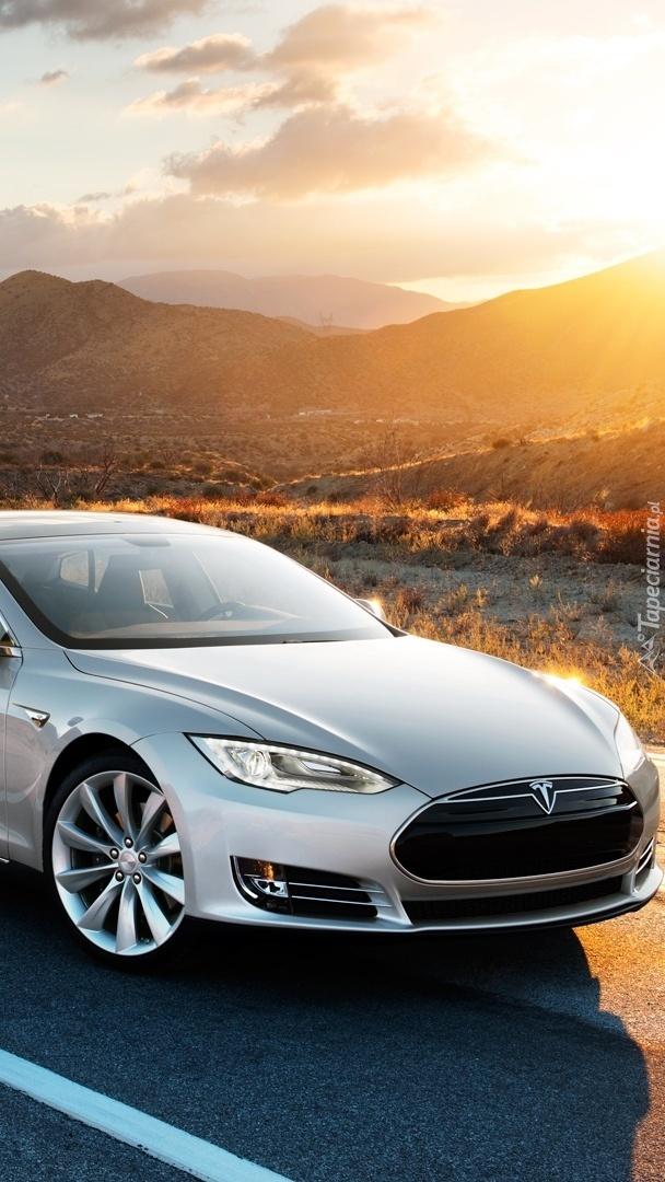 Samochód Tesla