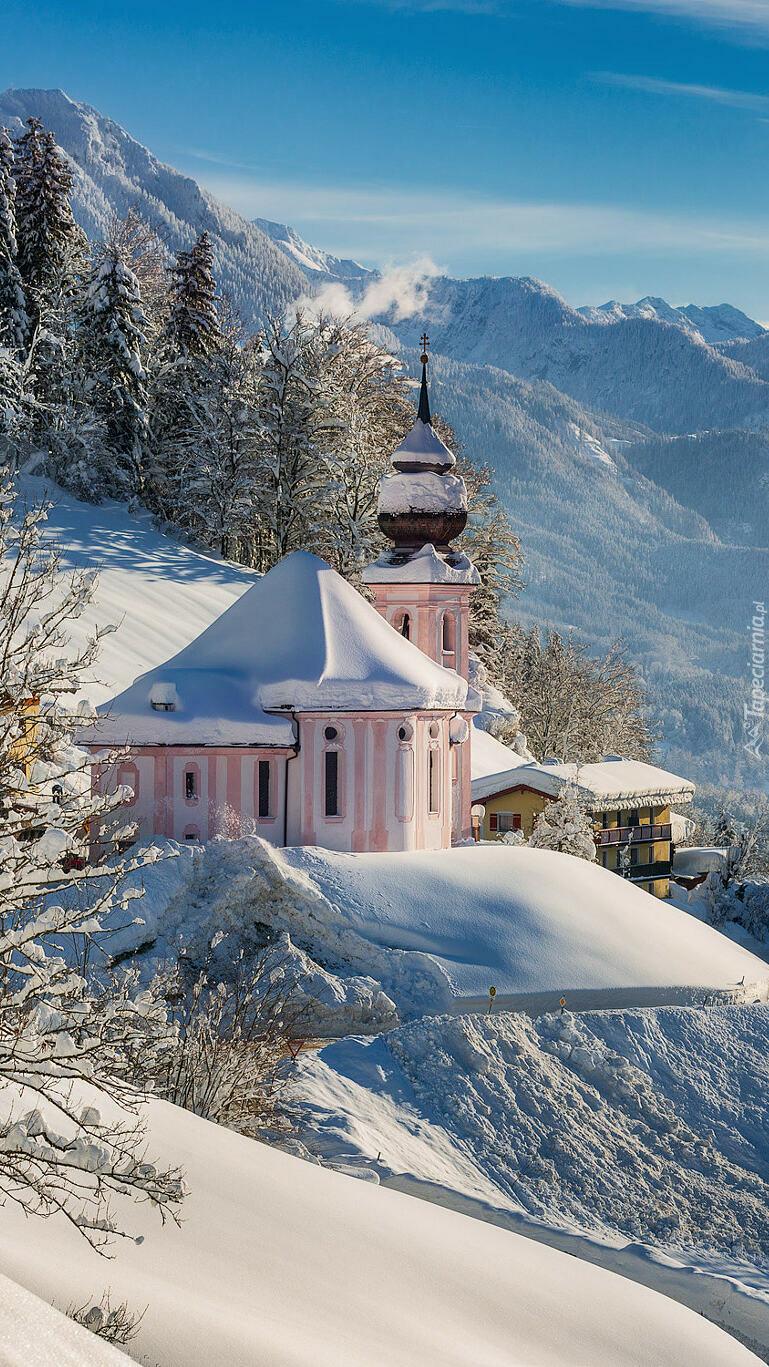 Sanktuarium Maria Gern w zimowych Alpach