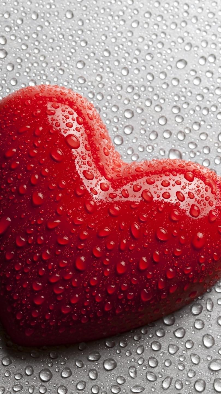 Serce w kroplach wody
