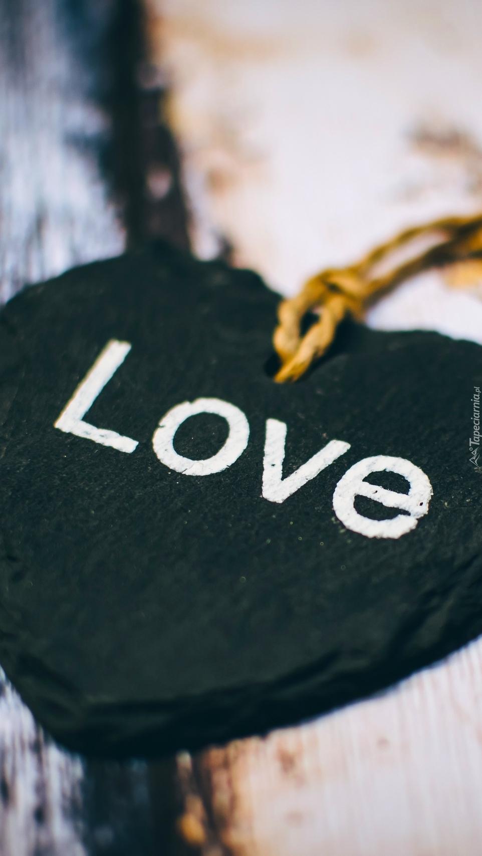 Serce z napisem love