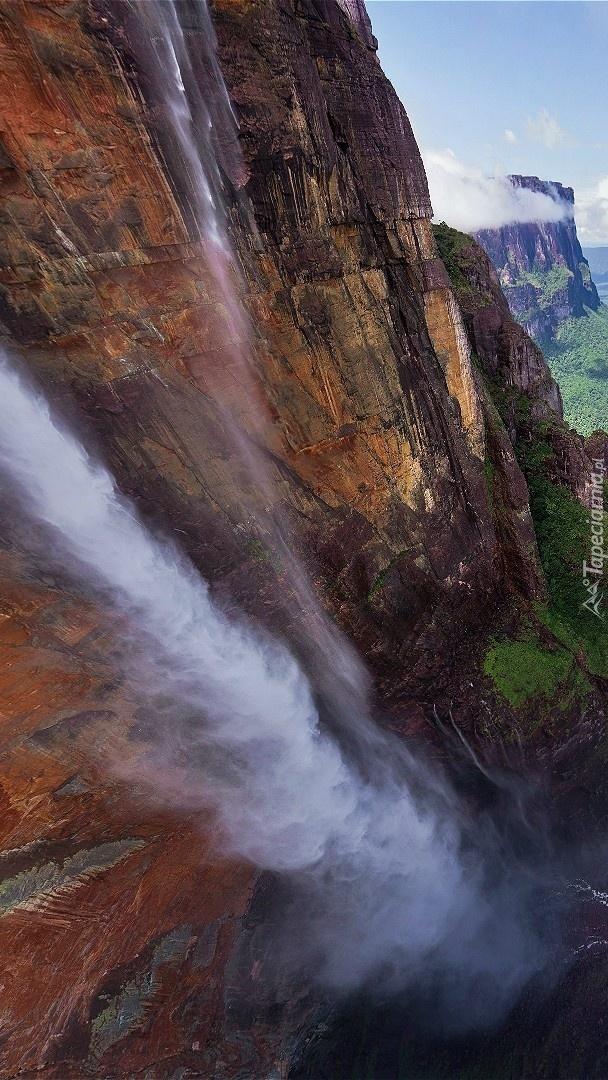 Skalny wodospad