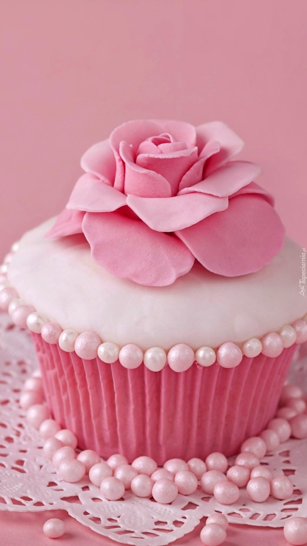 Słodziutka różowa babeczka