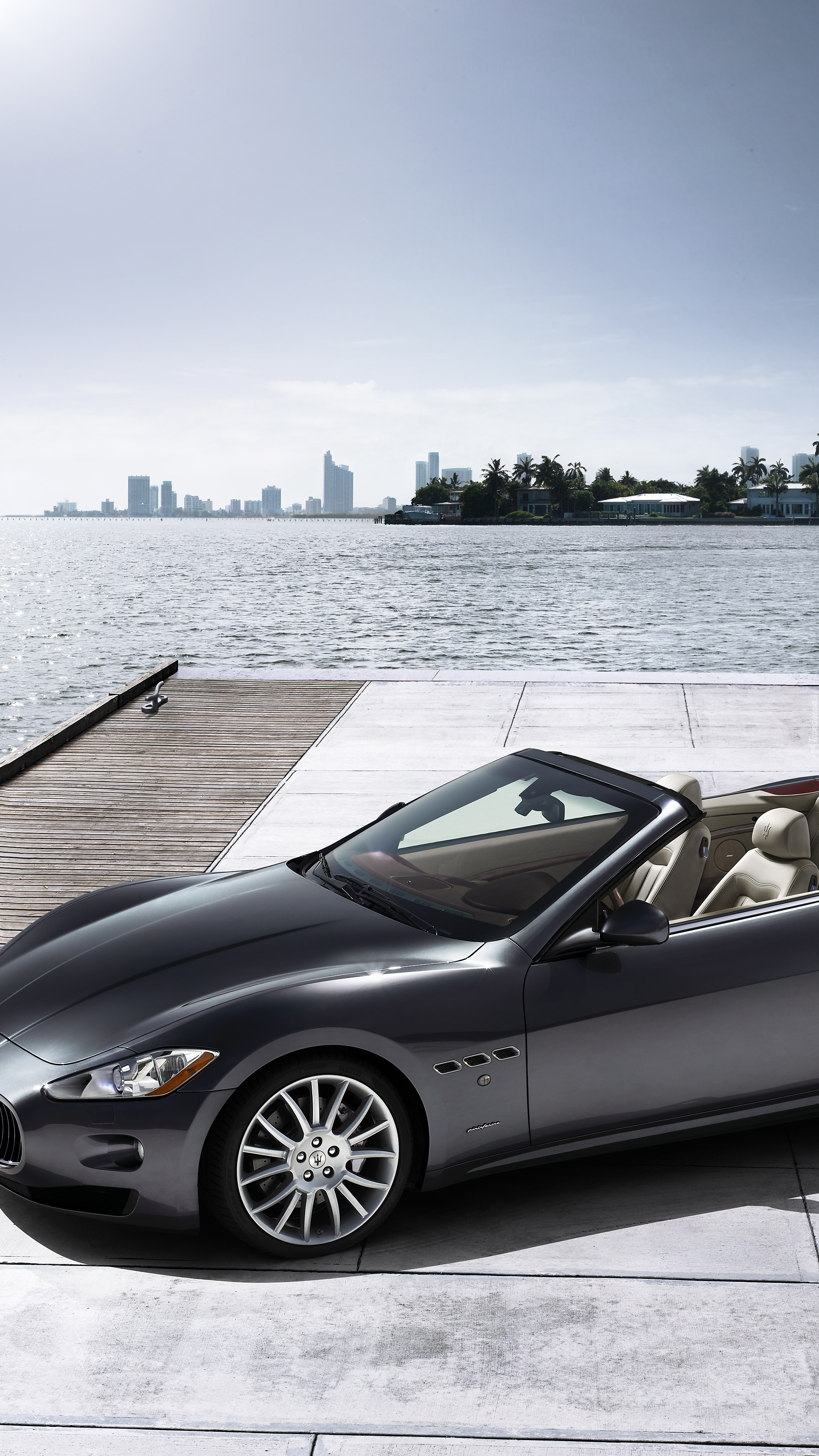 Sportowe  Maserati Gran Cabrio