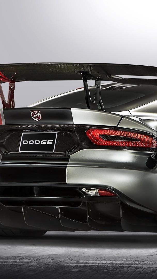 Srebrny Dodge Viper
