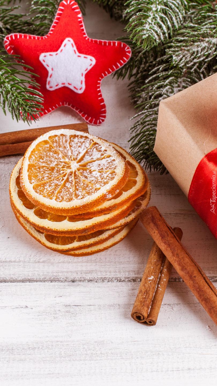 Suszone plasterki pomarańczy