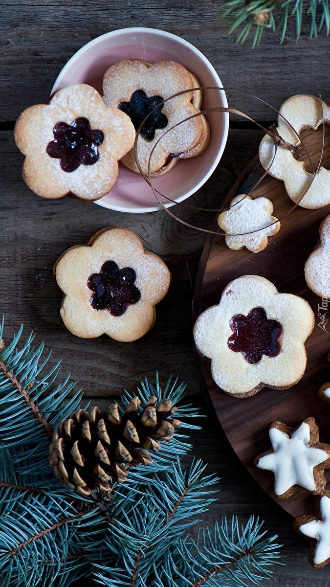 Świąteczne ciasteczka z marmoladą