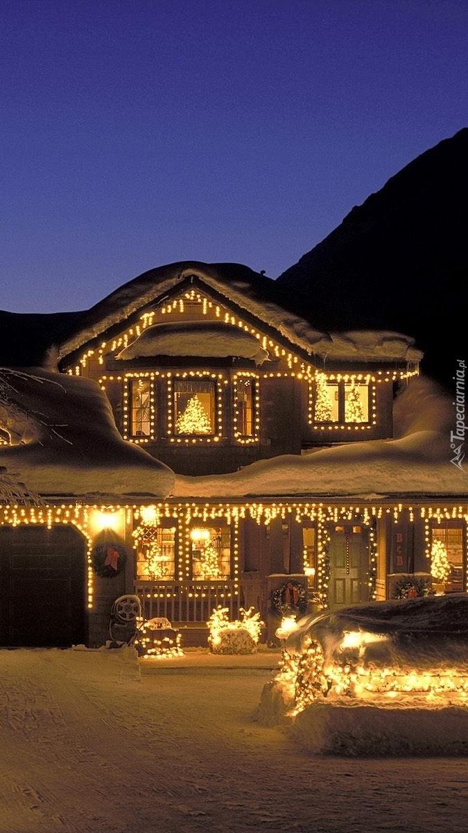 świąteczne Oświetlenie Domu Tapeta Na Telefon