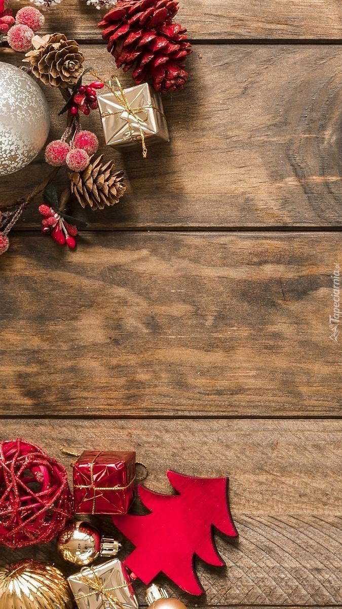 Świąteczne ozdoby na deskach