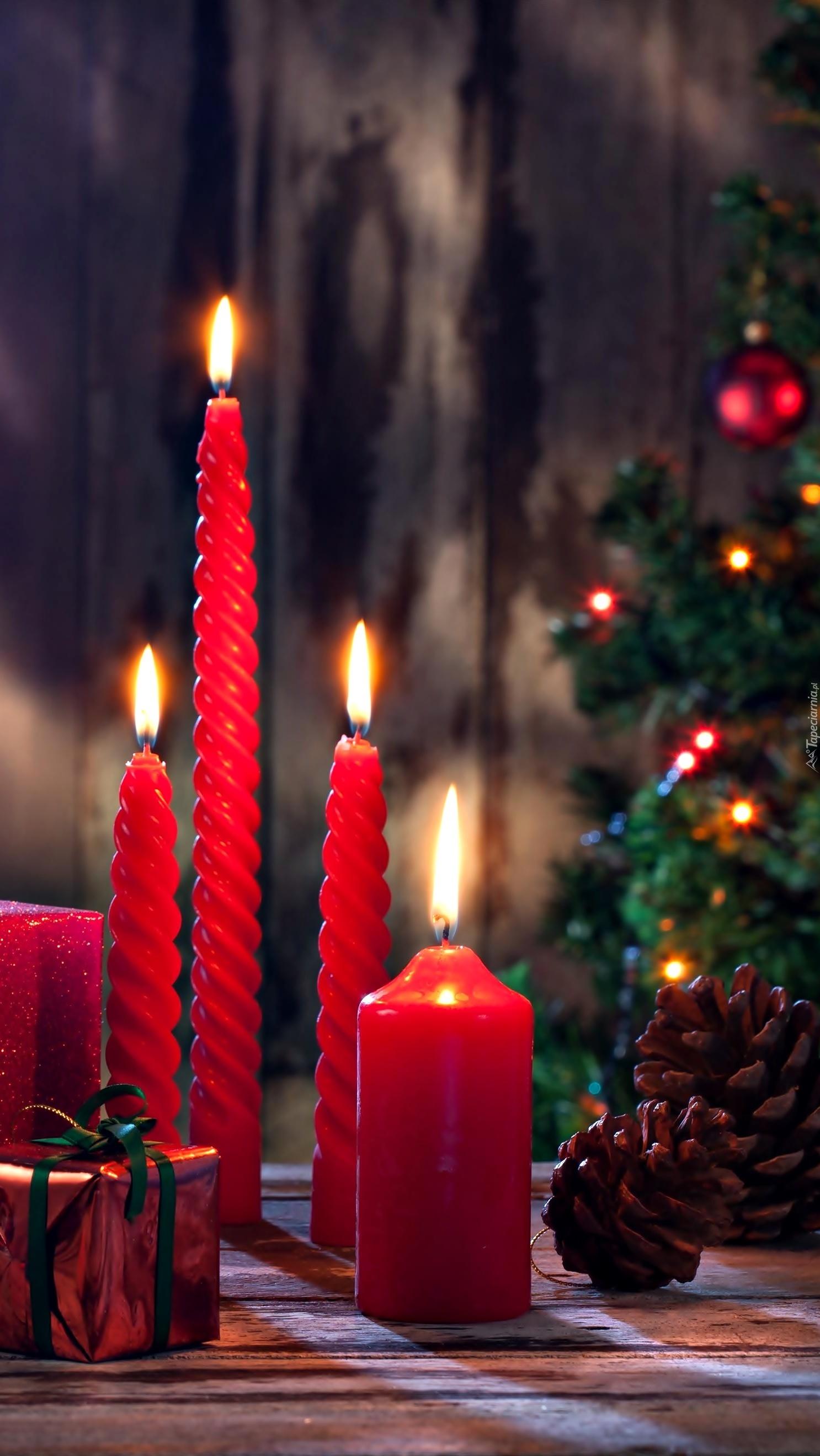 Świąteczny wieczór przy świecach