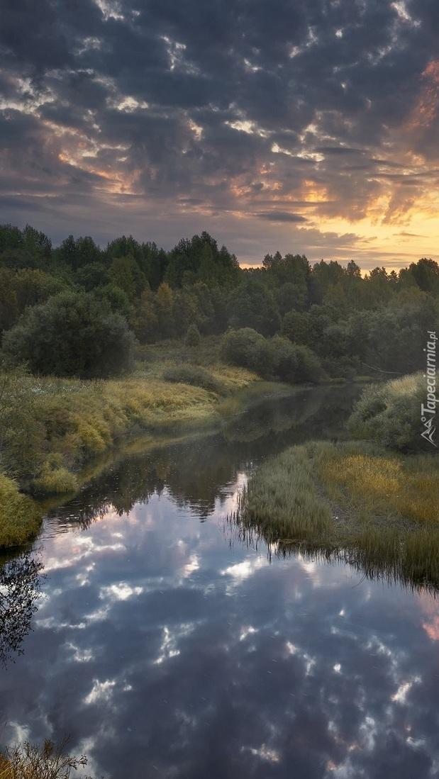 Świt nad rzeką Puya