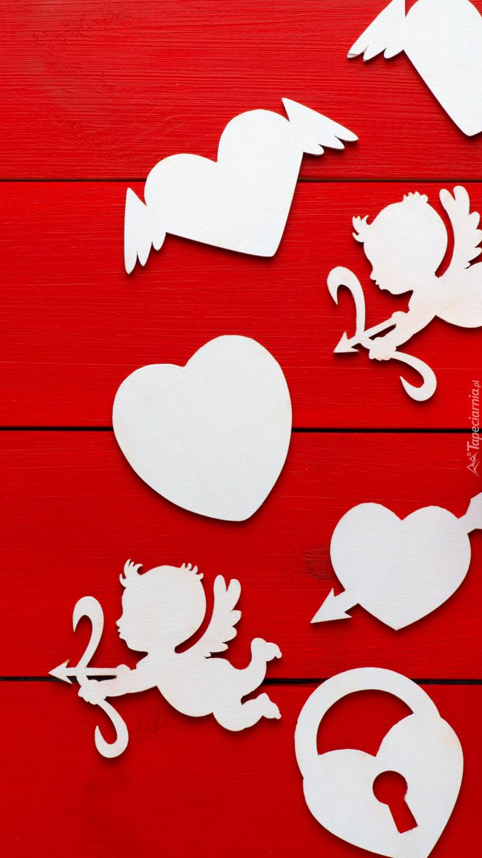 Symbole walentynkowe na czerwonym tle