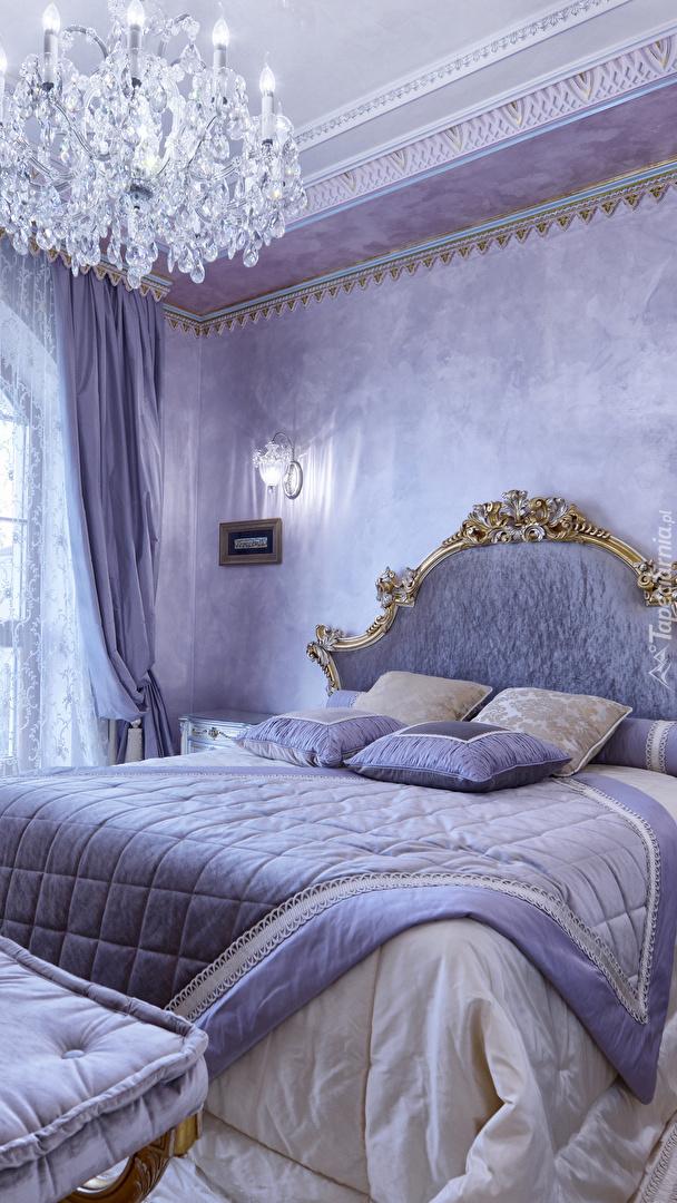 Sypialnia w jasnofioletowej tonacji