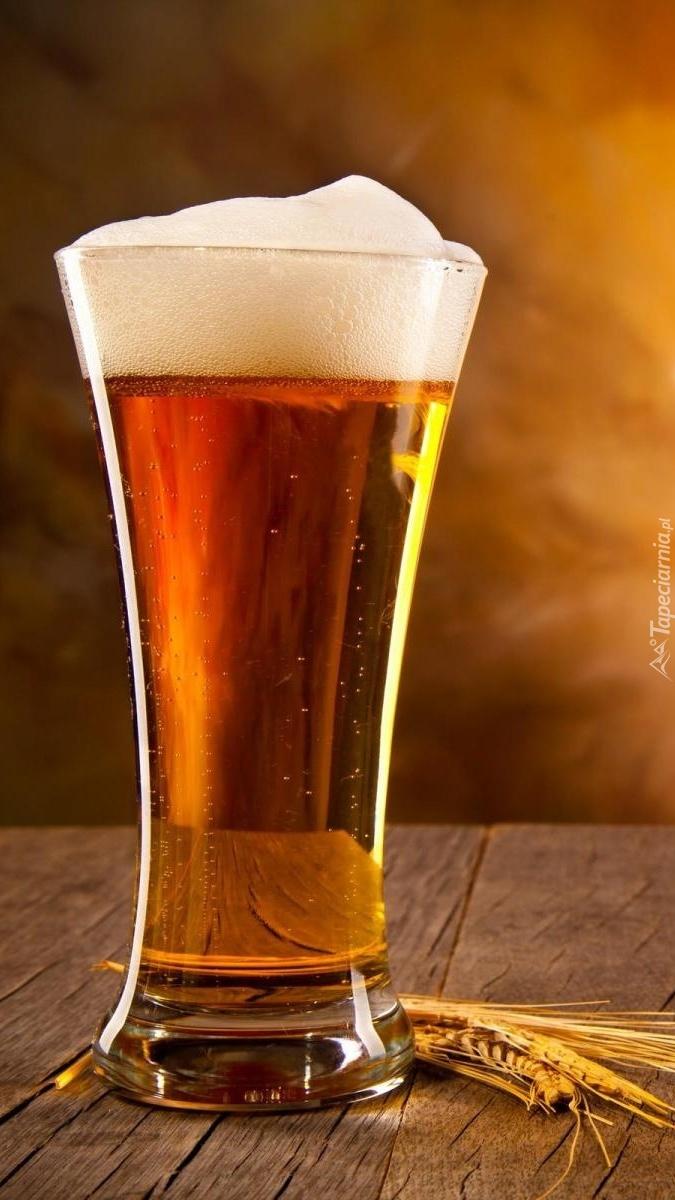 Szklanica piwa z pianką