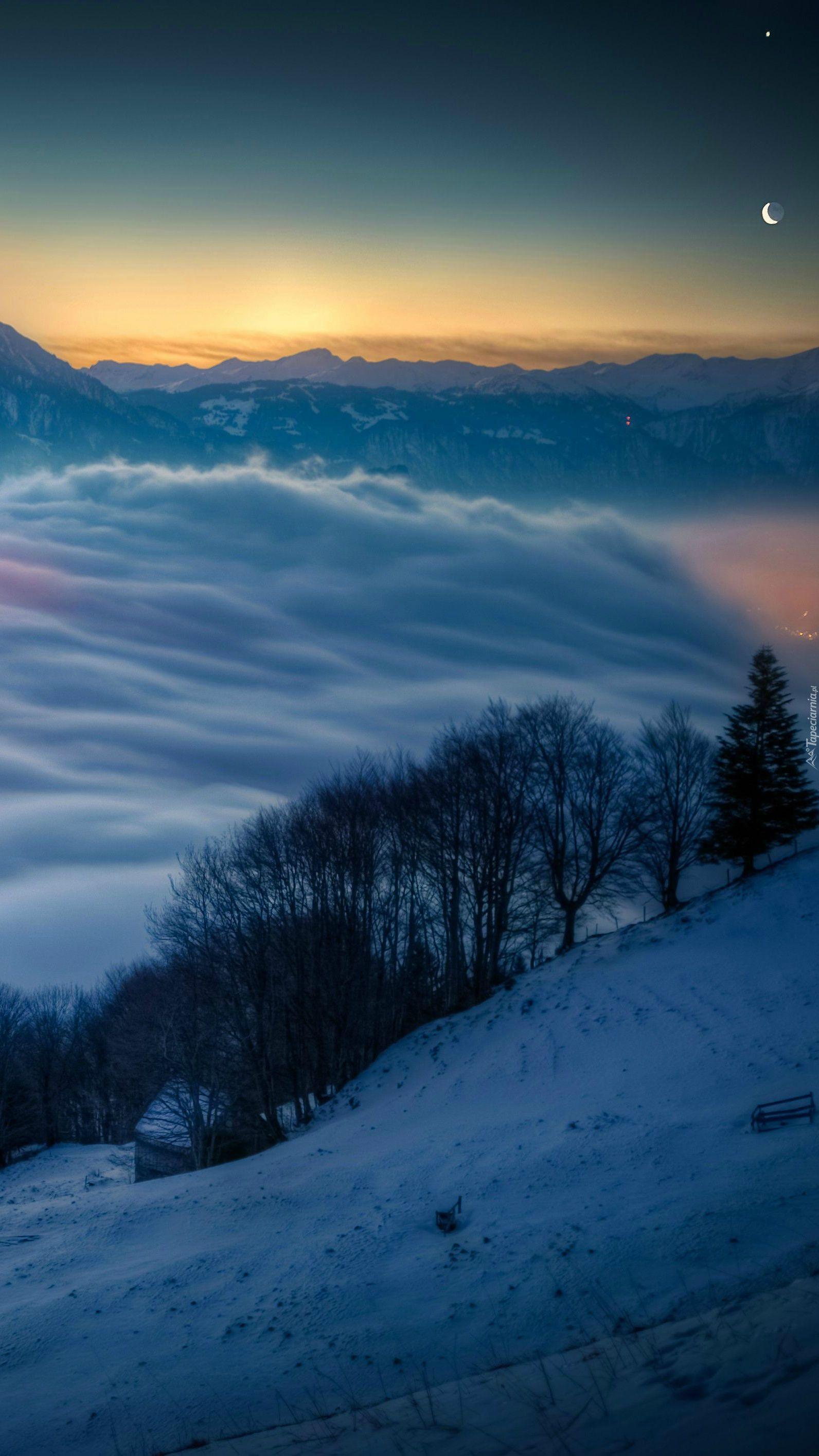 Szwajcarskie stoki w chmurach