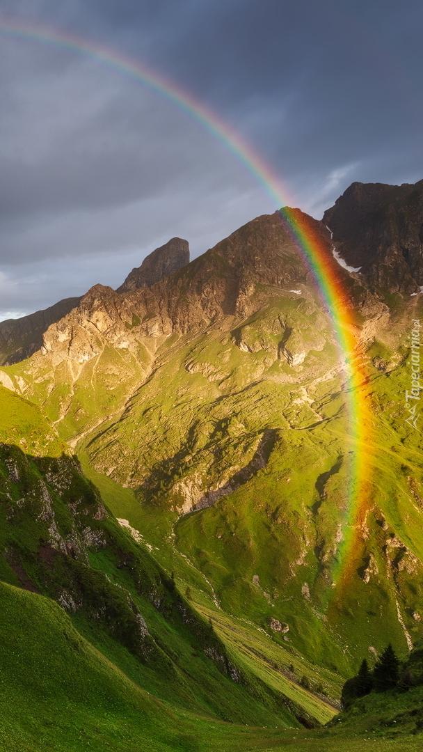 Tęcza w górach