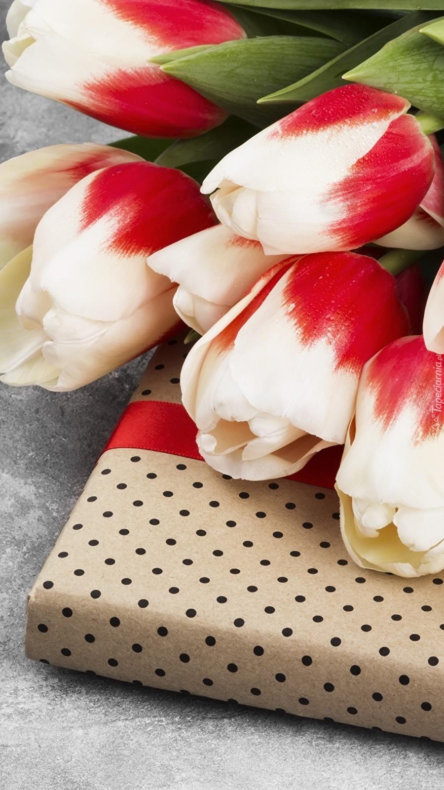 Tulipany na prezencie