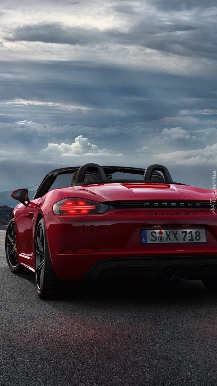 Tył czerwonego Porsche 718 Boxter GTS