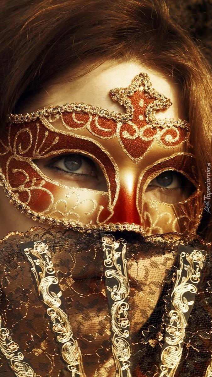 Ukryta pod maską