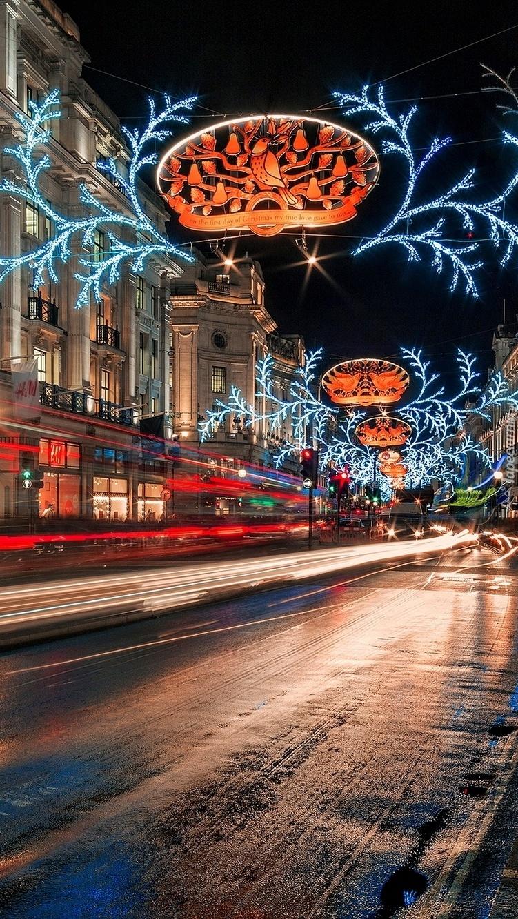 Ulice w świątecznym wystroju