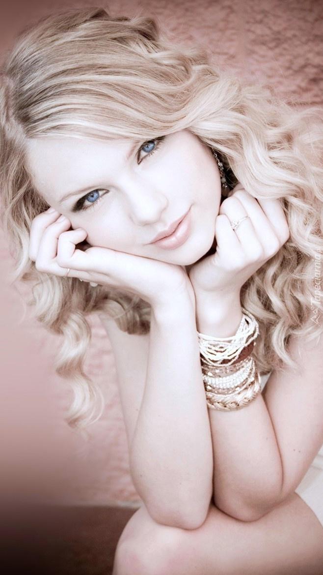 Urocza Taylor Swift