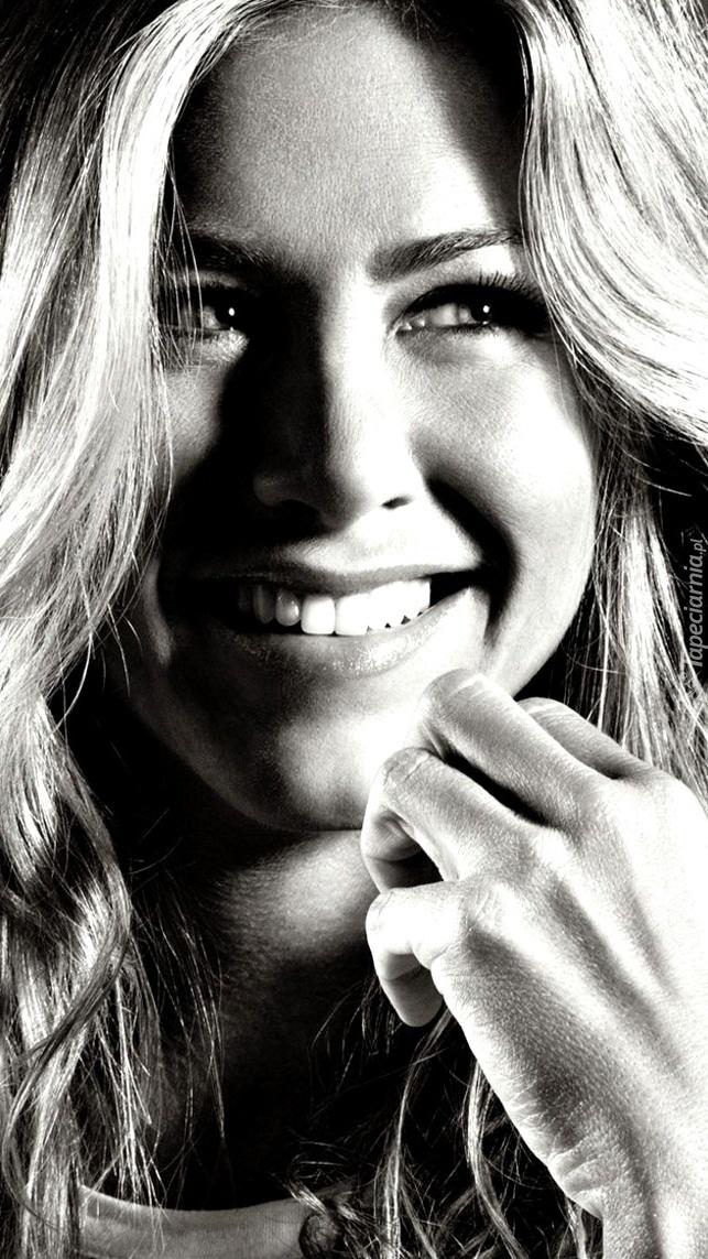 Uśmiechnięta Jennifer Aniston