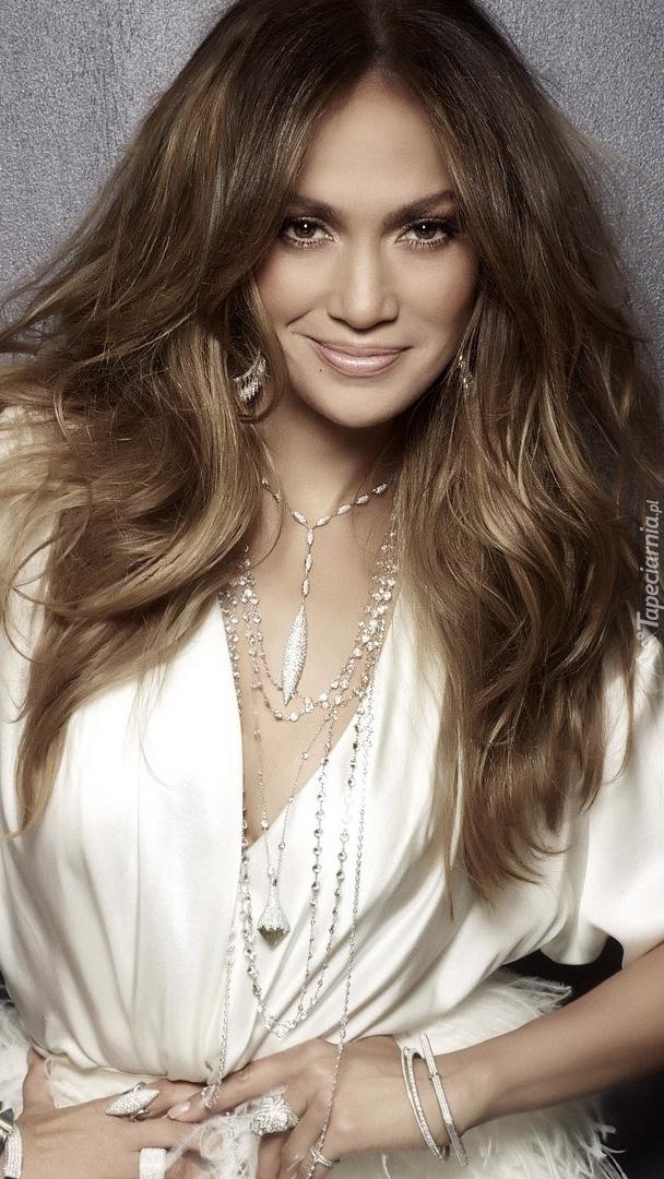 Uśmiechnięta Jennifer Lopez
