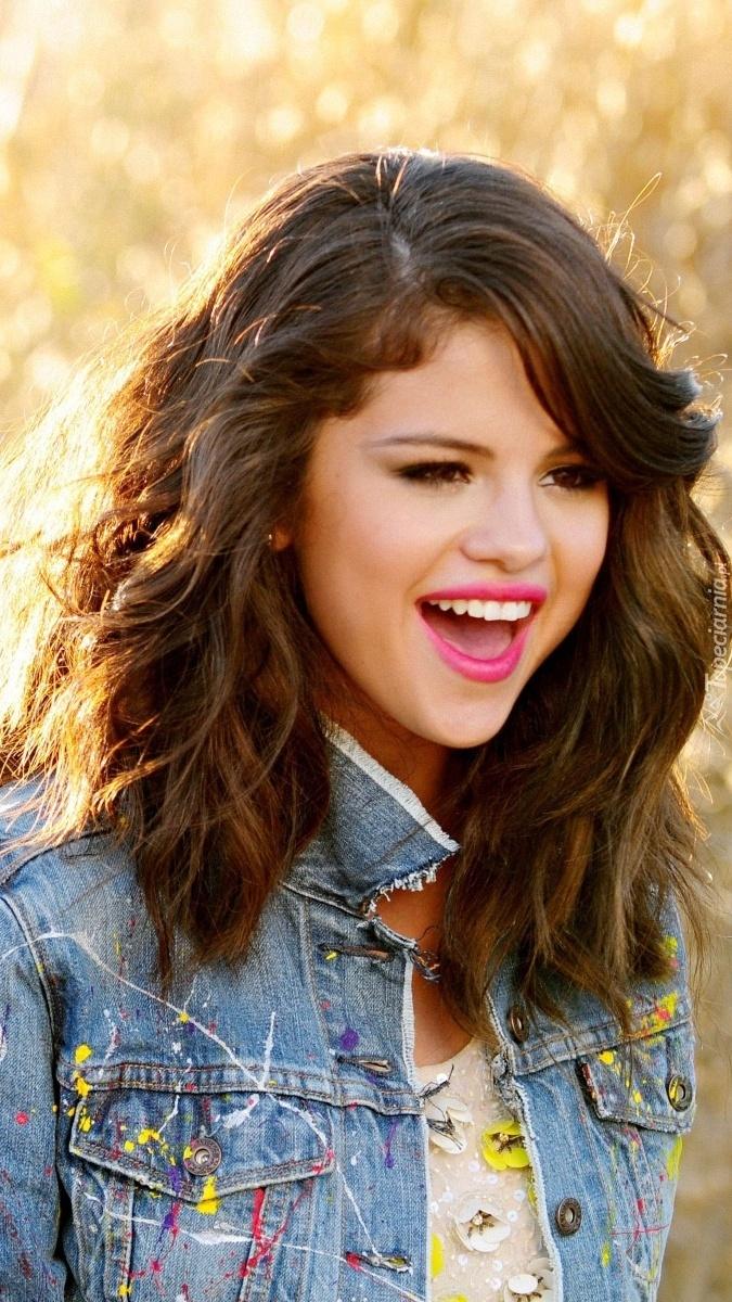 Uśmiechnięta Selena Gomez