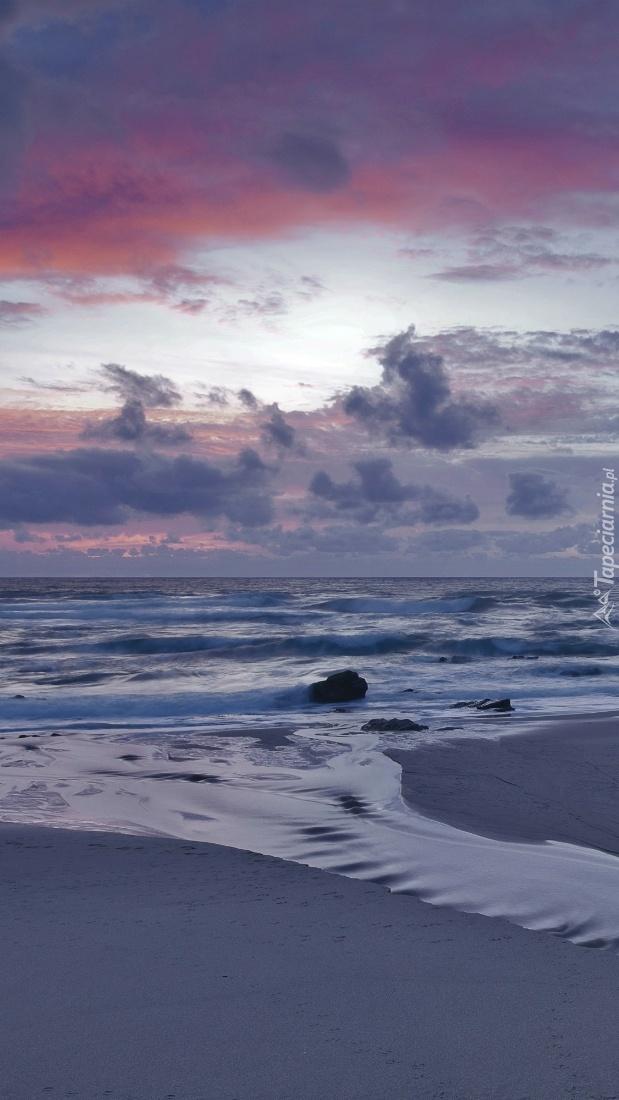 Widok z plaży na morze
