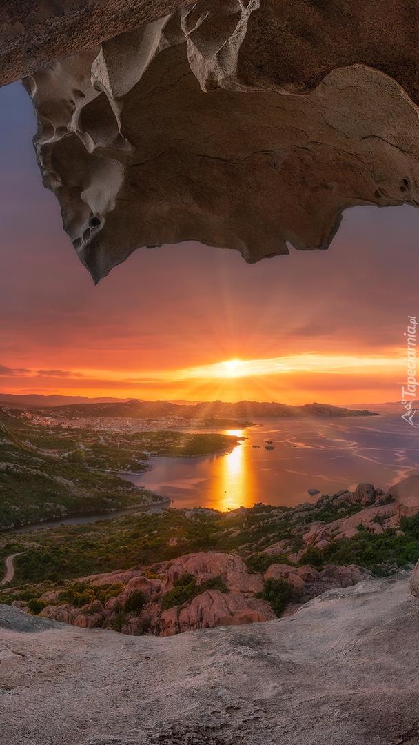Widok ze skał na zachód słońca