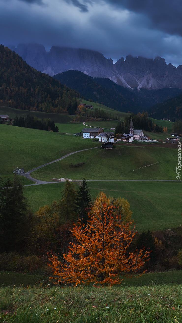 Wieś Santa Magdalena w Dolomitach