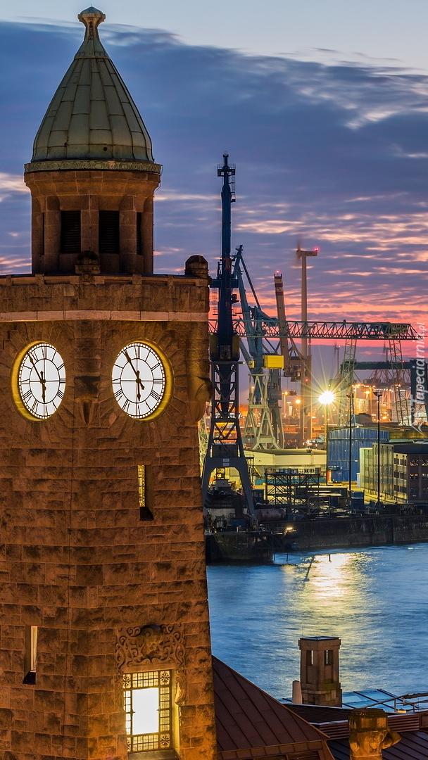 Wieżą zegarowa w Hamburgu