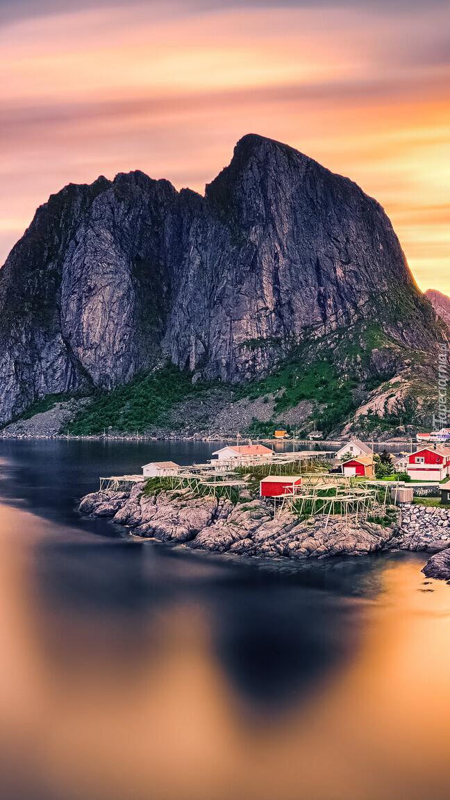 Wioska Reine nad morzem Norweskim