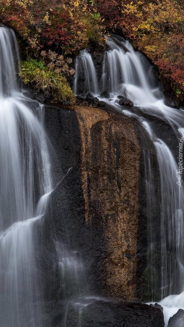 Wodospad Hraunfossar w Islandii