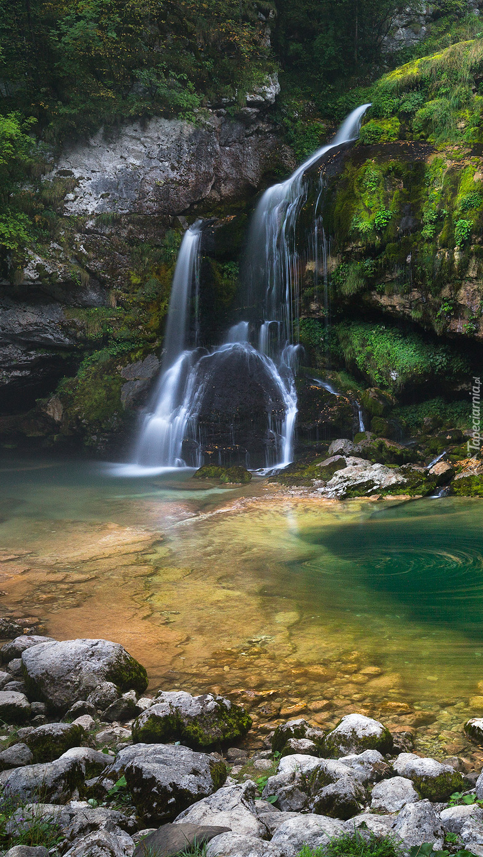 Wodospad Slap Virje z rzeką Gljun
