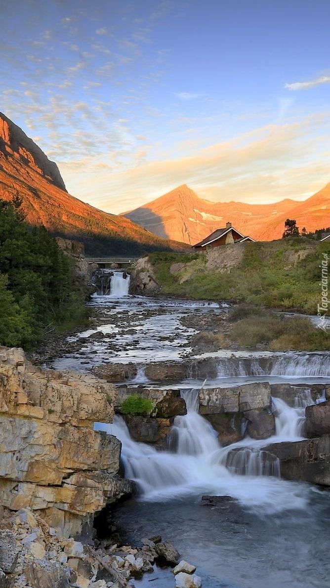 Wodospad Swiftcurrent Falls