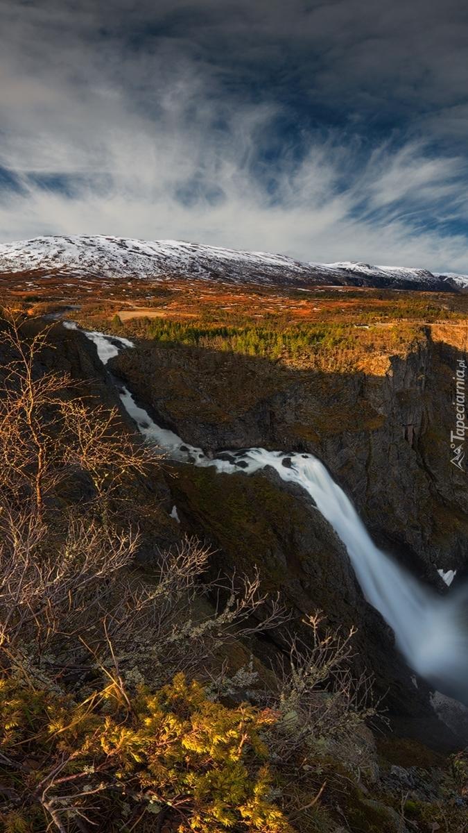 Wodospad Voringfossen w dolinie Mabodalen