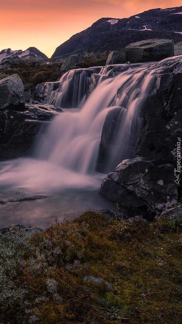 Wodospad w górach Jotunheimen
