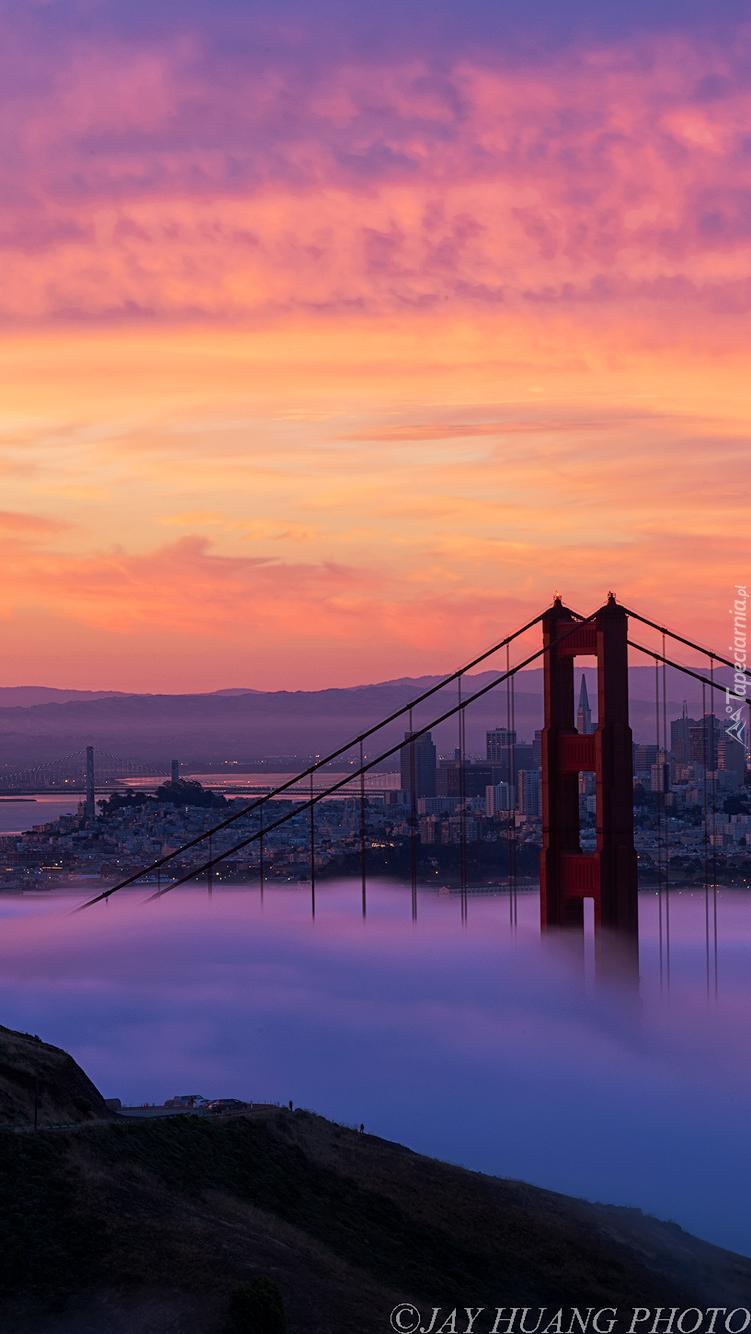 Wschód słońca nad mostem Golden Gate