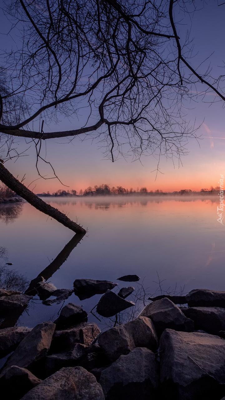 Wschód słońca nad rzeką Dubna