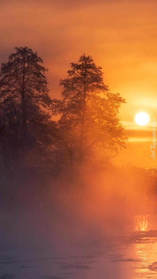 Wschód słońca nad rzeką Gwda