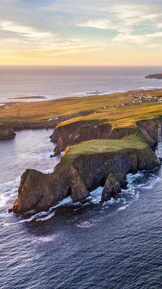 Wybrzeże Glencolmcille w Irlandii